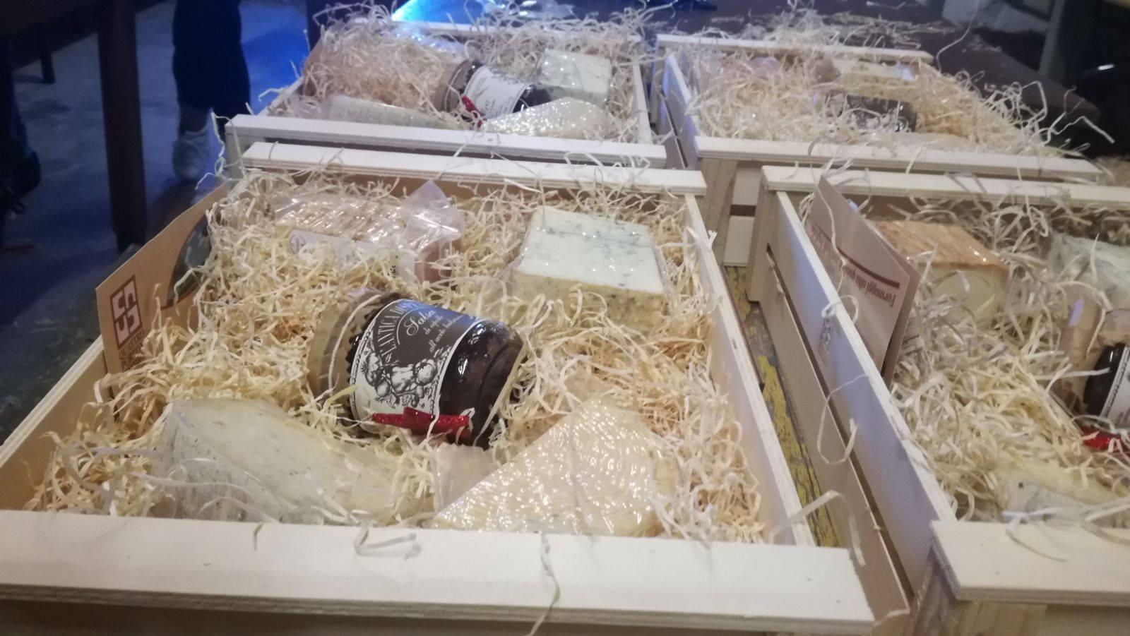 Quattro portoni cologno al serio negozi bergamo for Negozi arredamento bergamo e provincia