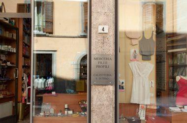 negozi-gandino-fili-e-profili-merceria-abbigliamento-intimo-gandino-valgandino-bergamo-4-1373616740